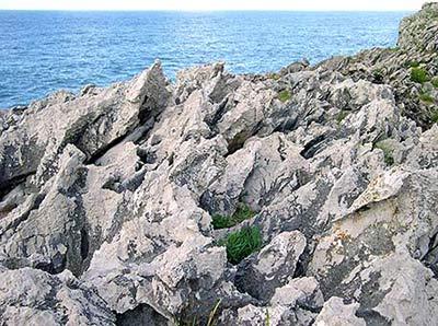 Lapiaz en los acantilados de vidiago asturias - Calizas mallorca ...